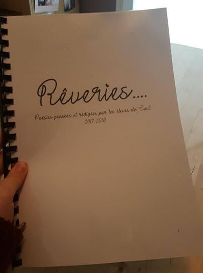 Le recueil de poèmes de la classe est prêt !
