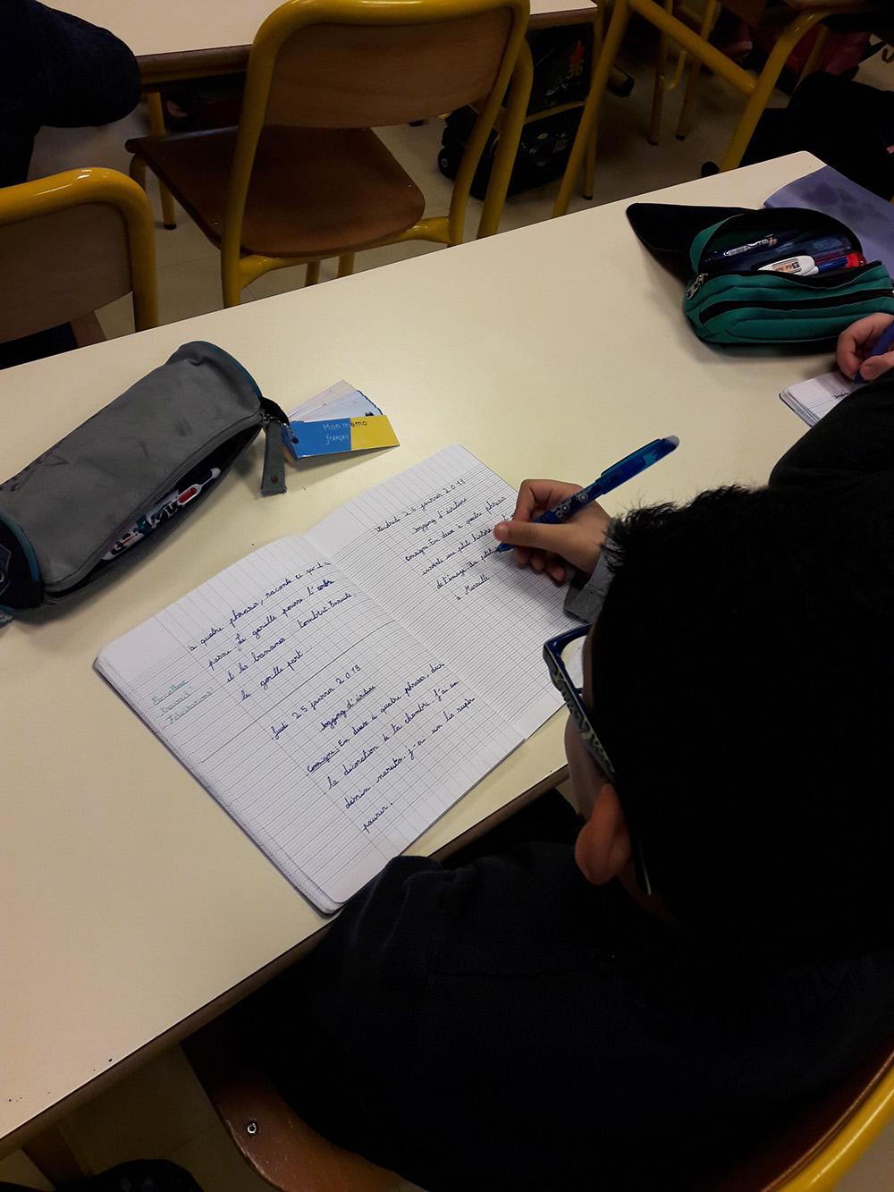 Les élèves d'Ayleen écrivent 20 minutes chaque jour
