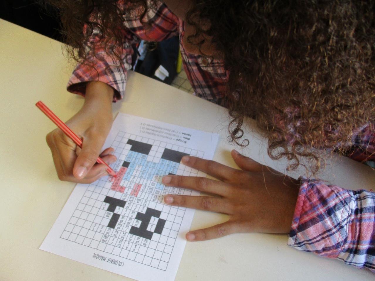 Les élèves travaillent les fractions grâce à des coloriages !
