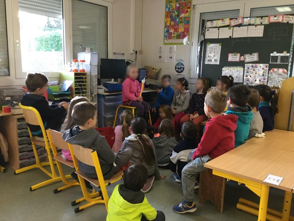 Le rituel du Quoi de neuf aide les élèves à se mettre à l'aise dès les premiers jours