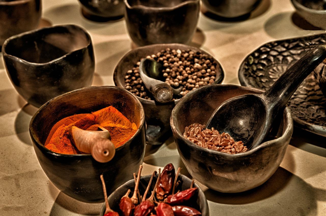 On mangeait déjà des plats épicés au Moyen Âge.