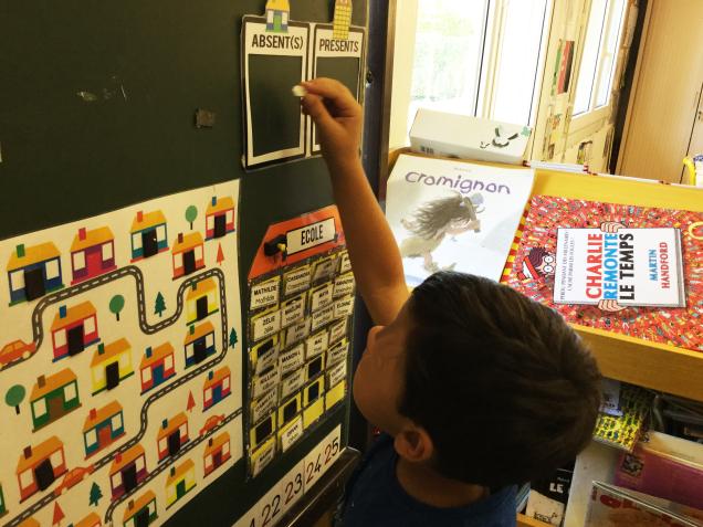 Chaque semaine, un élève est responsable des présents et des absents.