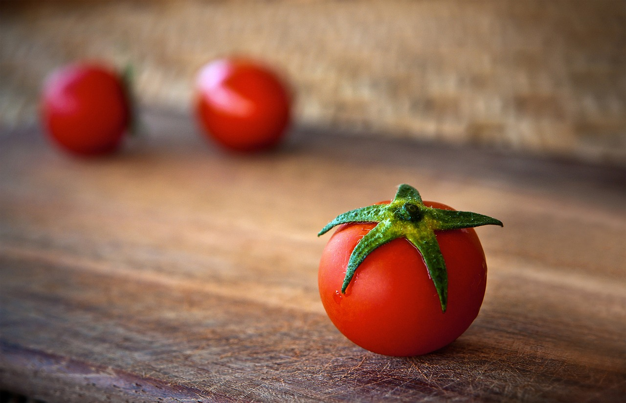 La tomate a longtemps été considérée comme une plante médicinale.